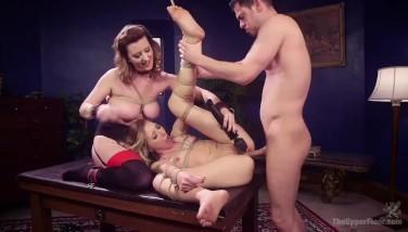 Tarfulita sclava sexuala pentru un cuplu de perversi